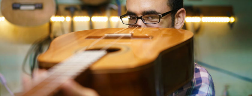 Understanding Acoustic Guitar Dimensions and Design